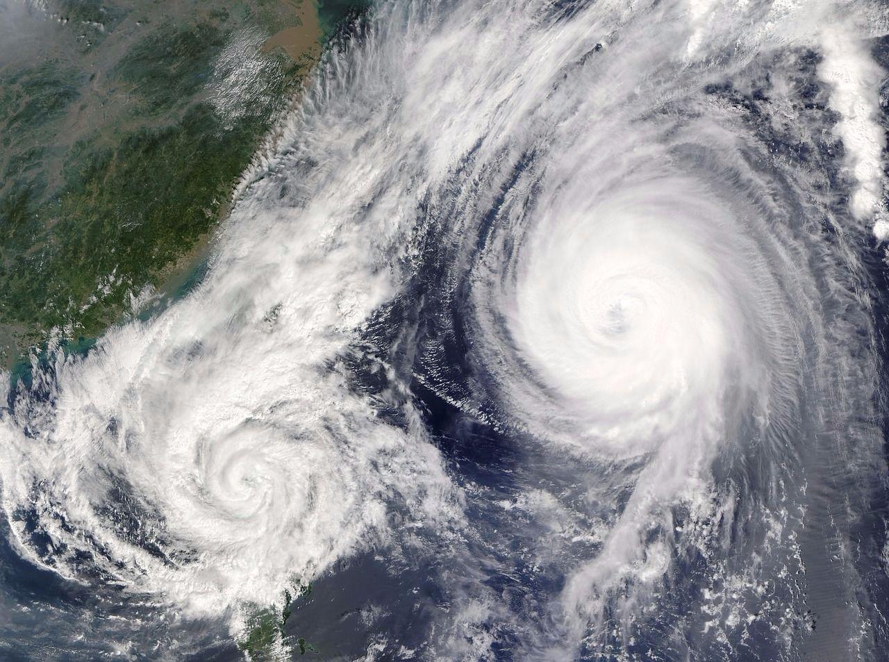 台風が発生接近するとページビューが増える不動産会社